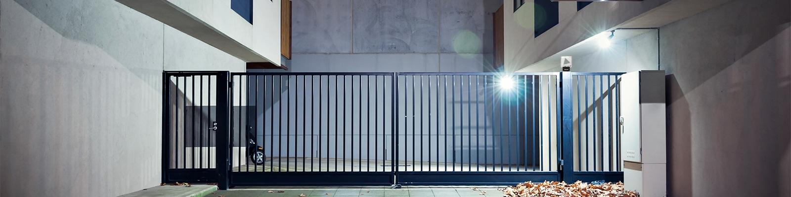 Cancello A Due Ante Battenti.Roger Technology Automazioni In Movimento
